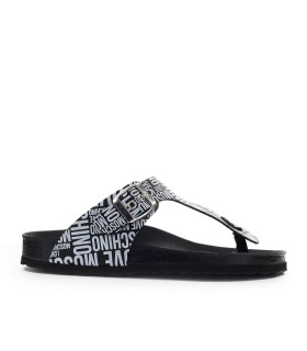 CHANCLAS NEGRO BLANCO LOVE MOSCHINO